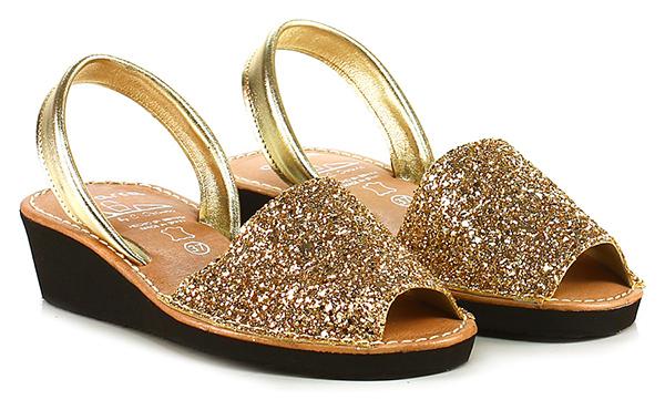Flache sandale Oro Avarca by C. Ortuno