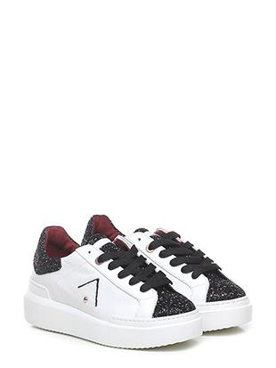 Sneaker sarah