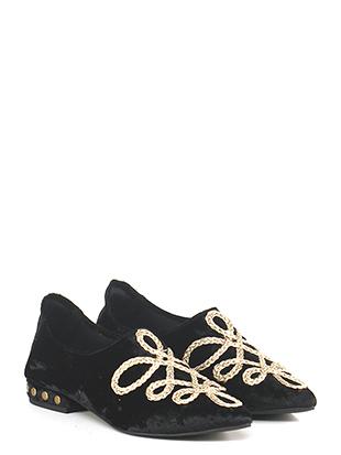 Low shoe