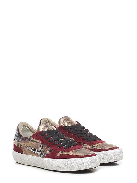 Sneaker