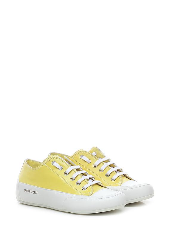 Sneaker rock