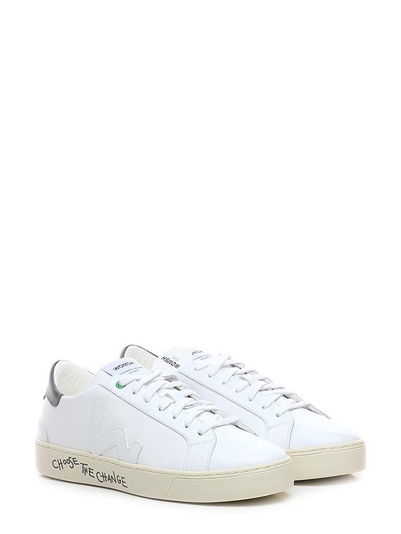 Sneaker snick