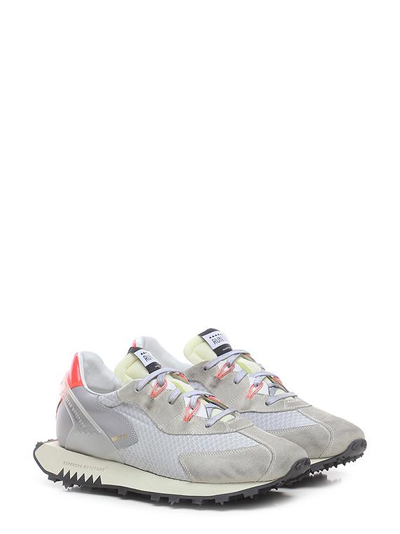 Sneaker moon race