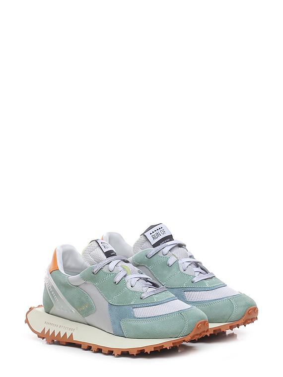 Sneaker pomice