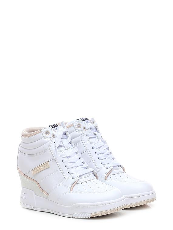 Sneaker blade