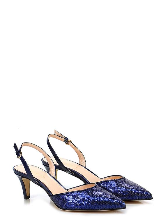 High-heeled shoe