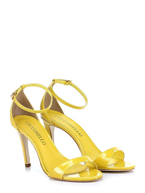Hohe sandale
